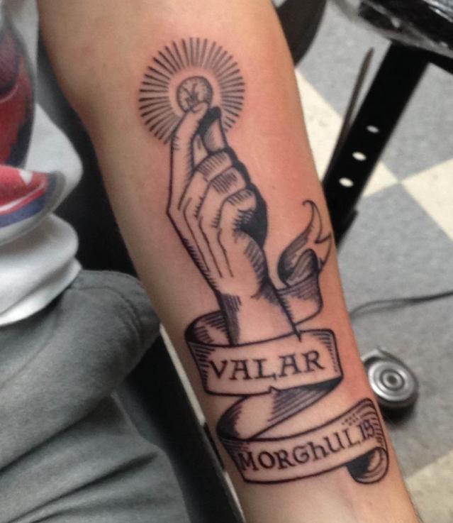 Валар моргулис татуировка из сериала Игра престолов