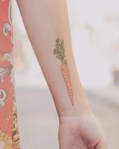 красивая татуировка морковь фото
