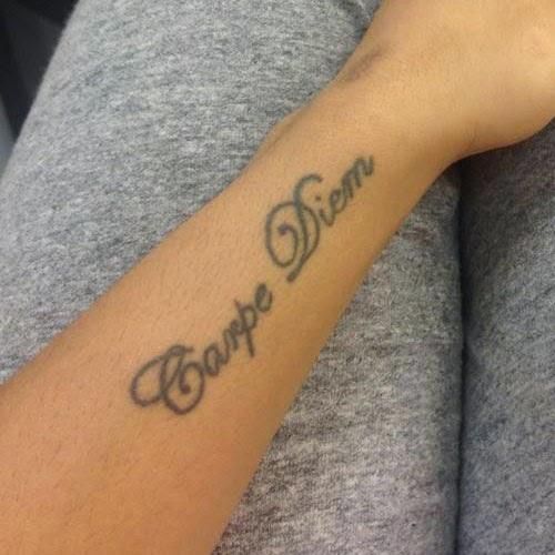 фото татуировок с текстом