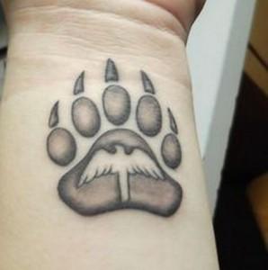 татуировка лапа медведя