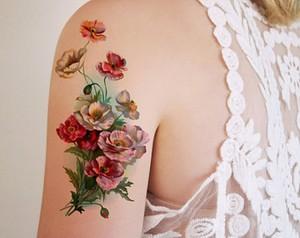 фото тату цветы на плече