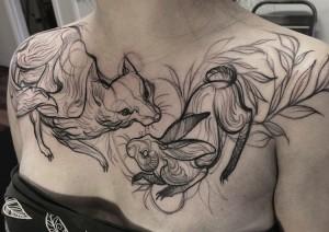 татуировка лиса на груди