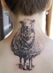 Тату волк овечка